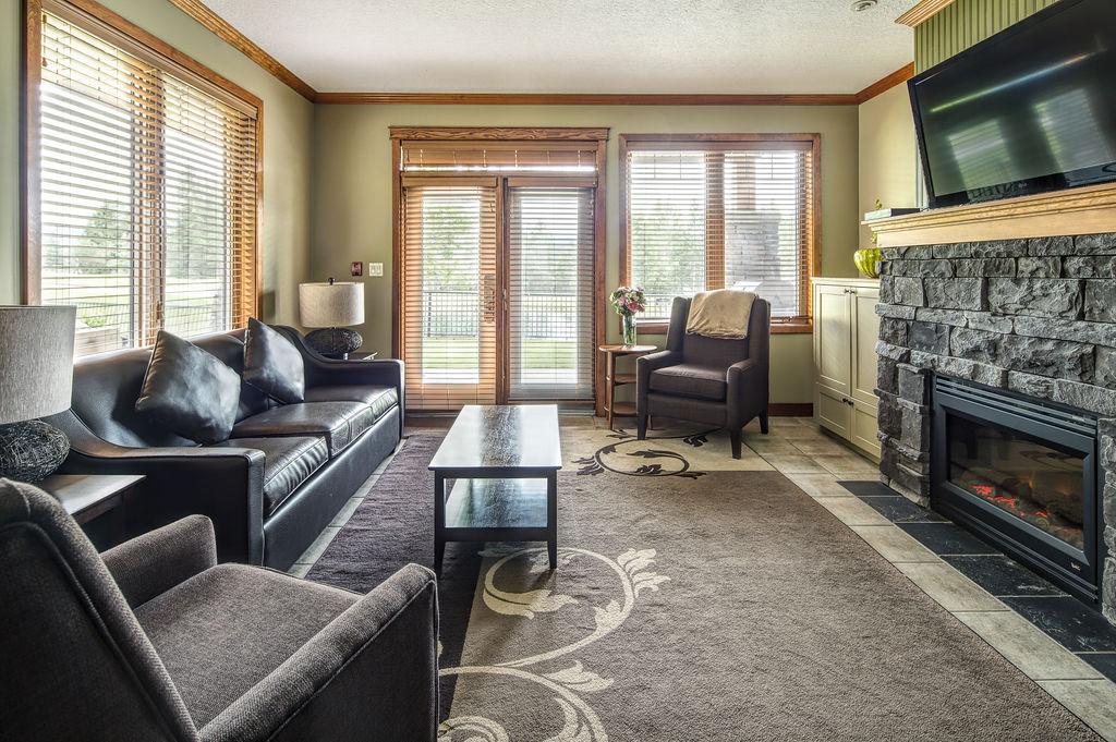 2 & 3 Bedroom Living Room